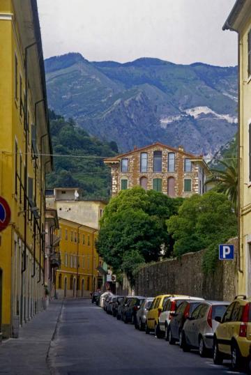 Carrara - Via Rosselli
