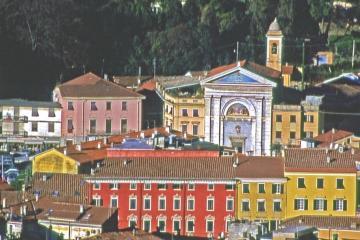 Carrara - Via Carriona - Vergine delle Grazie